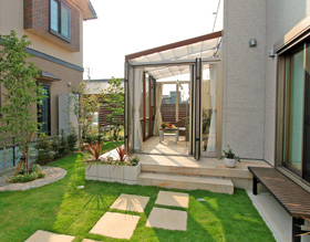 〜お庭で過ごす素敵なfamilytimeココマガーデンルーム〜・・・豊橋市 G様邸