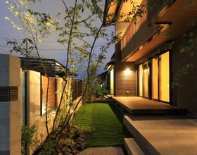 〜木のぬくもりと優しさの住まいに添える Semi-closed Exterior style〜・・・豊橋市O様邸