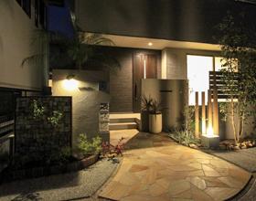 〜程よい目隠し感のsemi-open Style 天然石のアプローチで飾る素敵なお家〜・・・豊橋市I様邸
