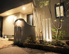 〜テイスト感溢れるアンティークレンガアプローチ 柔らかさと優しさのOpen Style Exterior〜・・・蒲郡市K様邸