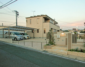 〜道路高低差も上手に解消 敷地感を活かすClose Exterior 幸田町 S様邸